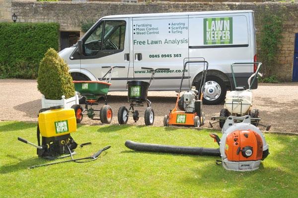uk lawn care franchises