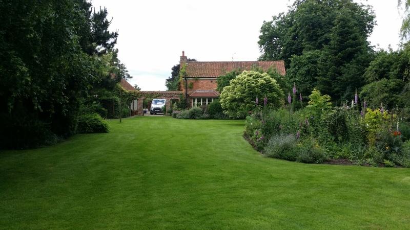 Nottingham lawn3